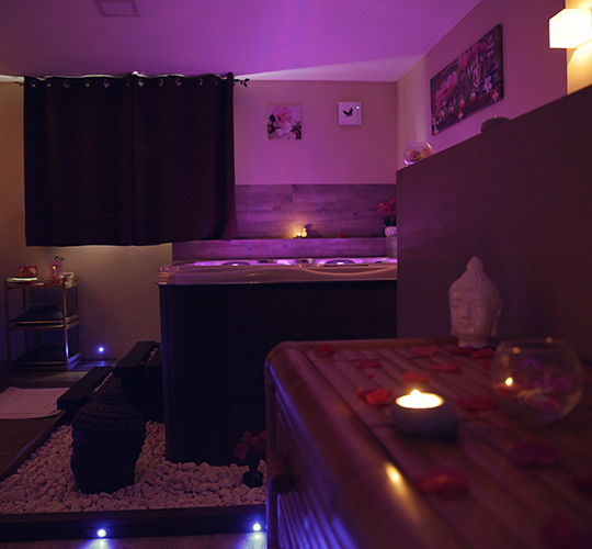 chambre d'hotes avec jacuzzi Beaucaire-suite romantique avec jacuzzi Gard-week-end en amoureux en Provence-chambre d'hotes romantique Tarascon